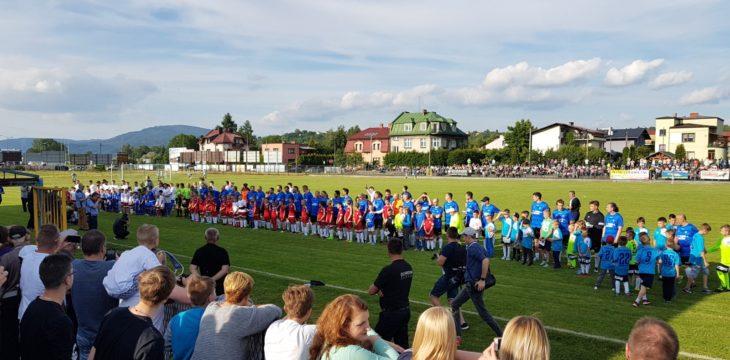 Fani piłki nożnej z Przystani na spotkaniu z Kubą Błaszczykowskim